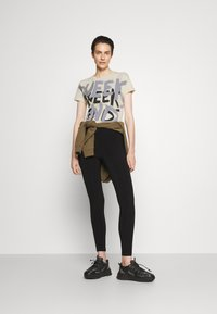 WEEKEND MaxMara - RANA - Print T-shirt - ivory - 1