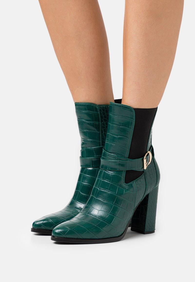 Tata Italia - Støvletter - green
