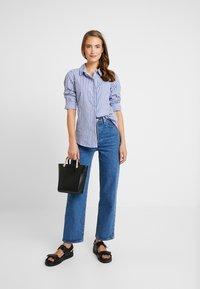 Springfield - CAMISA SLIM FIT - Button-down blouse - blues - 1