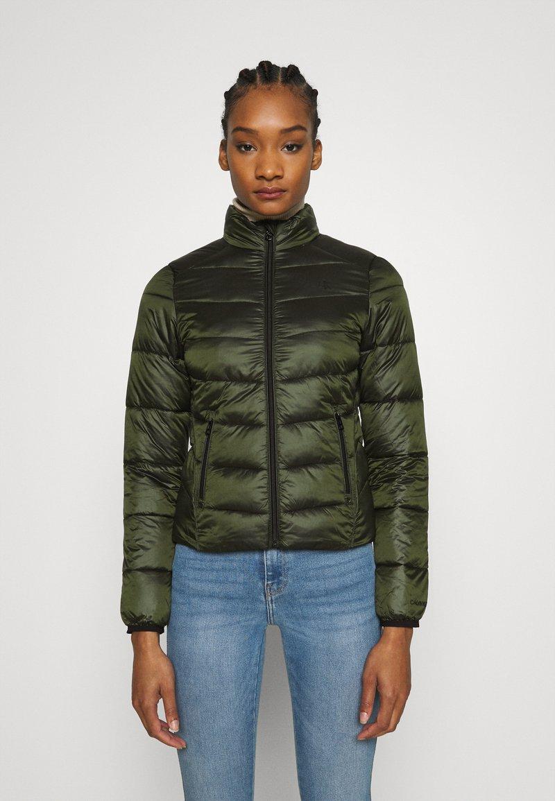 Calvin Klein Jeans - SHINY JACKET - Kurtka zimowa - deep depths