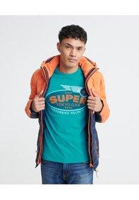 Superdry - MILITARY  - T-Shirt print - green - 3