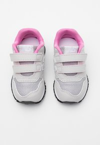 New Balance - IV500RI - Sneakersy niskie - grey/pink - 3