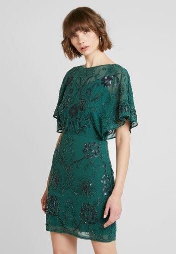 Sukienka koktajlowa - fir green