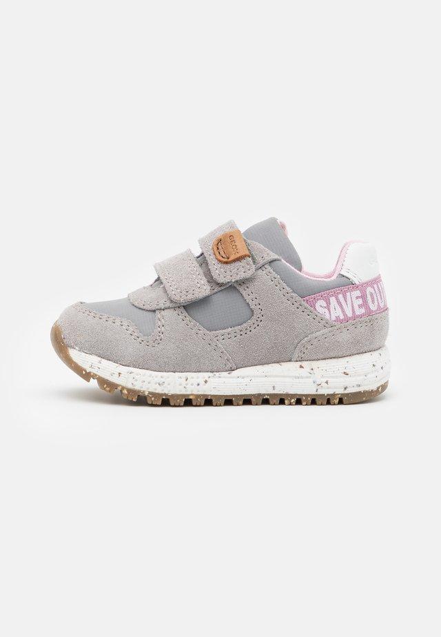 ALBEN GIRL WWF - Sneakersy niskie - grey