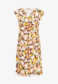 Cartoon - KURZ - Jersey dress - apricot/green - 0