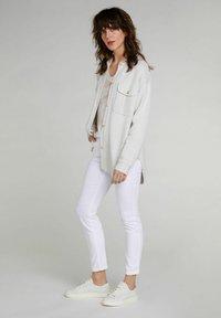 Oui - Print T-shirt - white black - 1