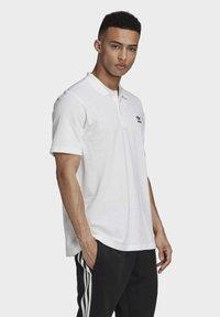 adidas Originals - TREFOIL ESSENTIALS POLO SHIRT - Polo shirt - white - 2