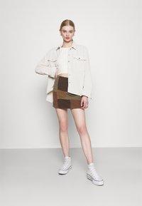 BDG Urban Outfitters - CAMILLA - T-shirt à manches longues - cream - 1