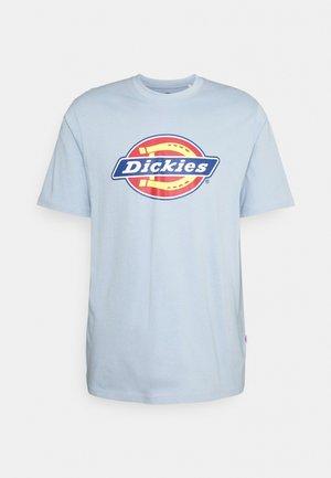 ICON LOGO TEE - T-shirt med print - fog blue