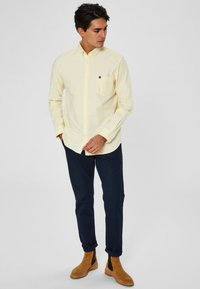 Selected Homme - NOOS - Shirt - mellow yellow - 1