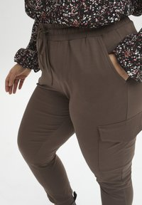 Kaffe Curve - KCSINE  - Cargo trousers - brown - 3