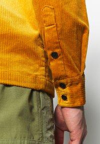 Anerkjendt - AKREMMI - Summer jacket - inca gold - 3