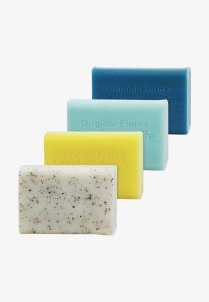 MEERESBRISE-SALZ-PEELING-GRAPEFRUIT + LUFFA ABLAGE  - Soap bar - -
