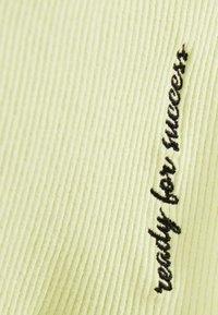 Bershka - KURZER BLEISTIFTROCK 00585019 - A-line skirt - neon yellow - 5