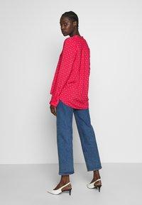 Emily van den Bergh - Bluser - pink/red - 3
