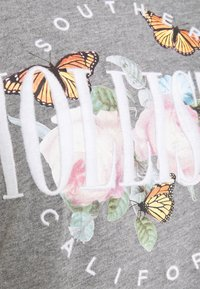 Hollister Co. - TECH CORE - Print T-shirt - grey - 5