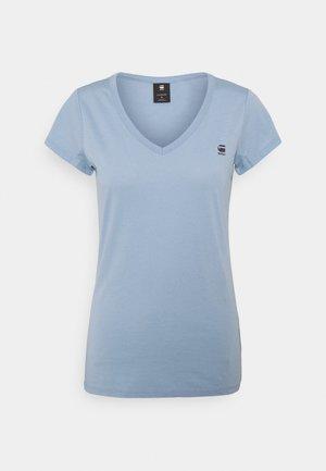 EYBEN SLIM V T WMN S\S - Basic T-shirt - delta blue