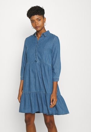ONLENYA LIFE 3/4 SLEEVE - Vestido vaquero - medium blue denim