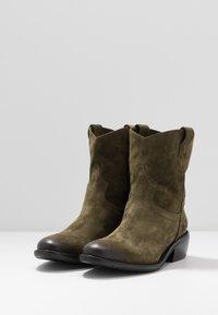 Lazamani - Cowboy/biker ankle boot - verde - 4