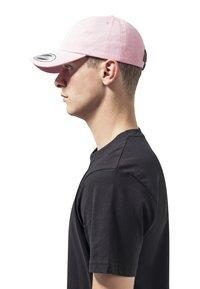 Flexfit - LOW PROFILE - Cap - pink - 1