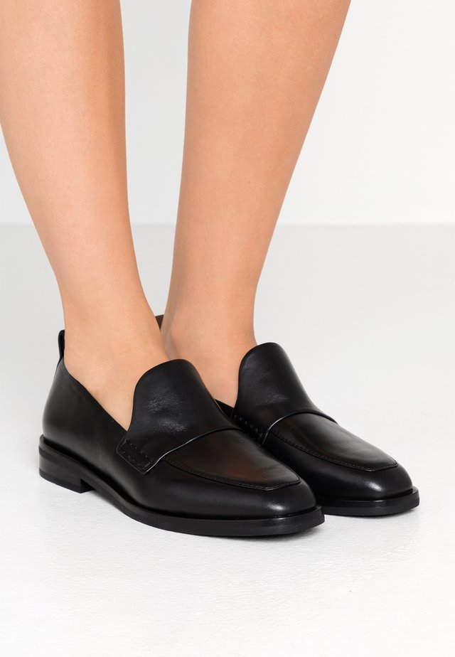ALEXA LOAFER - Loaferit/pistokkaat - black