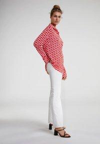 Oui - Button-down blouse - red white - 1