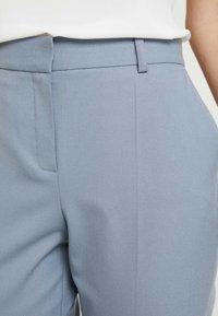 Karen by Simonsen - SYDNEY CIGARETTE PANTS - Pantaloni - blue bone - 3