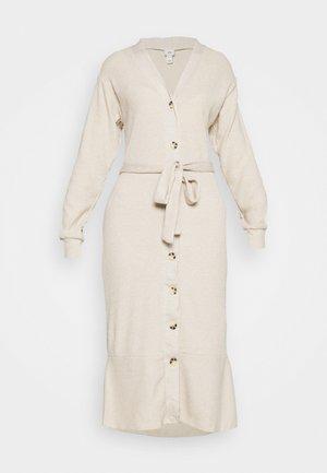 Strikket kjole - beige