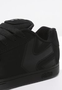 Etnies - Trainers - black dirty wash - 5