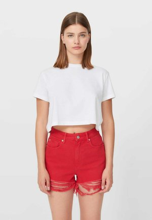 MIT RISSEN - Shorts di jeans - red