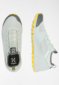 Haglöfs - L.I.M LOW - Trail running shoes - stone grey/signal yellow - 2