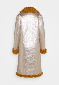 Pinko - DRACO COAT - Classic coat - senape/oro chiaro - 1