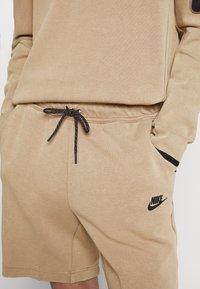 Nike Sportswear - WASH - Shorts - taupe haze/black - 3