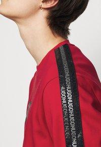 HUGO - DUBESHI  - Sweatshirt - open pink - 5