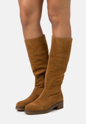 DULZIA - Vysoká obuv - cobnat