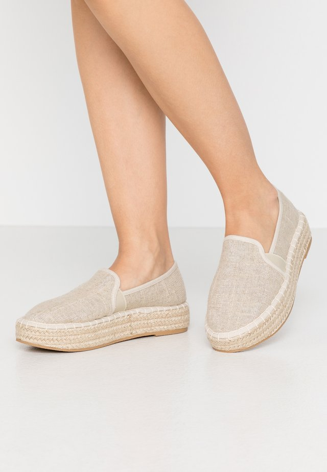 COMICO SLIP ON - Espadrilles - gold