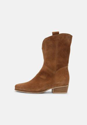 Cowboy/biker ankle boot - lion