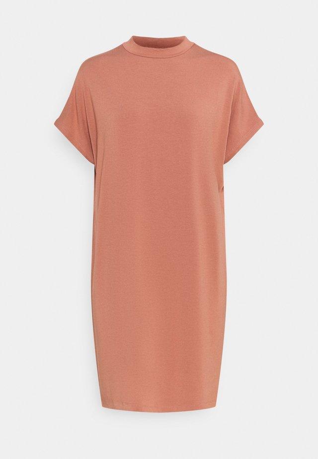 LINEA - Žerzejové šaty - cedar wood