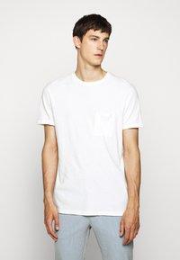 Les Deux - BRENON - Basic T-shirt - offwhite - 0