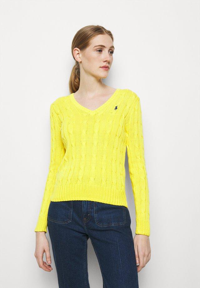 CLASSIC - Sweter - elite yellow