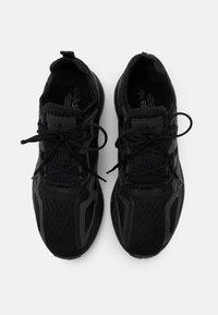 adidas Originals - ZX 2K BOOST UNISEX - Sneakers basse - core black/shock pink - 3