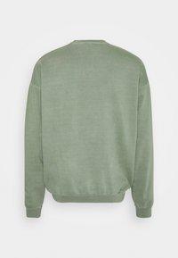 Kaotiko - CREW WASHED BEETLE ARMY - Zip-up sweatshirt - olive - 1