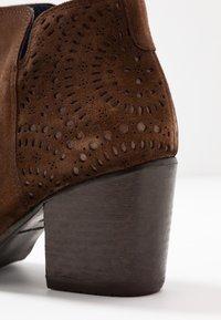 Pinto Di Blu - Ankle boots - cognac - 2