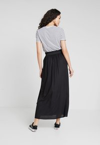 ONLY - ONLVENEDIG  - Maxi skirt - black - 2