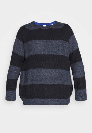 JJPANNEL CREW NECK - Jumper - denim blue/block
