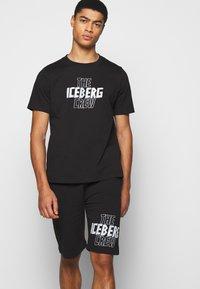 Iceberg - BERMUDA THE CREW - Kraťasy - nero - 3