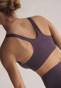 OYSHO - Sports bra - dark purple - 4