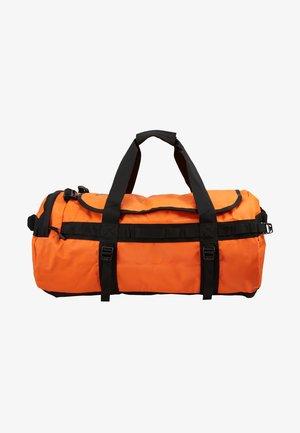 BASE CAMP DUFFEL M UNISEX - Sports bag - persian orange/black