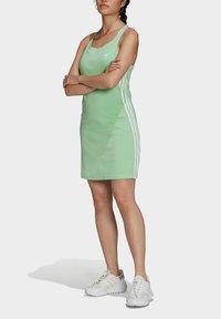 adidas Originals - ADICOLOR CLASSICS RACERBACK  - Jersey dress - green - 0