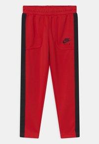Nike Sportswear - AIR SET - Träningsset - university red - 2
